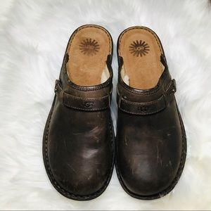 Never Worn UGG Australia Bridgen Brown Clogs 10
